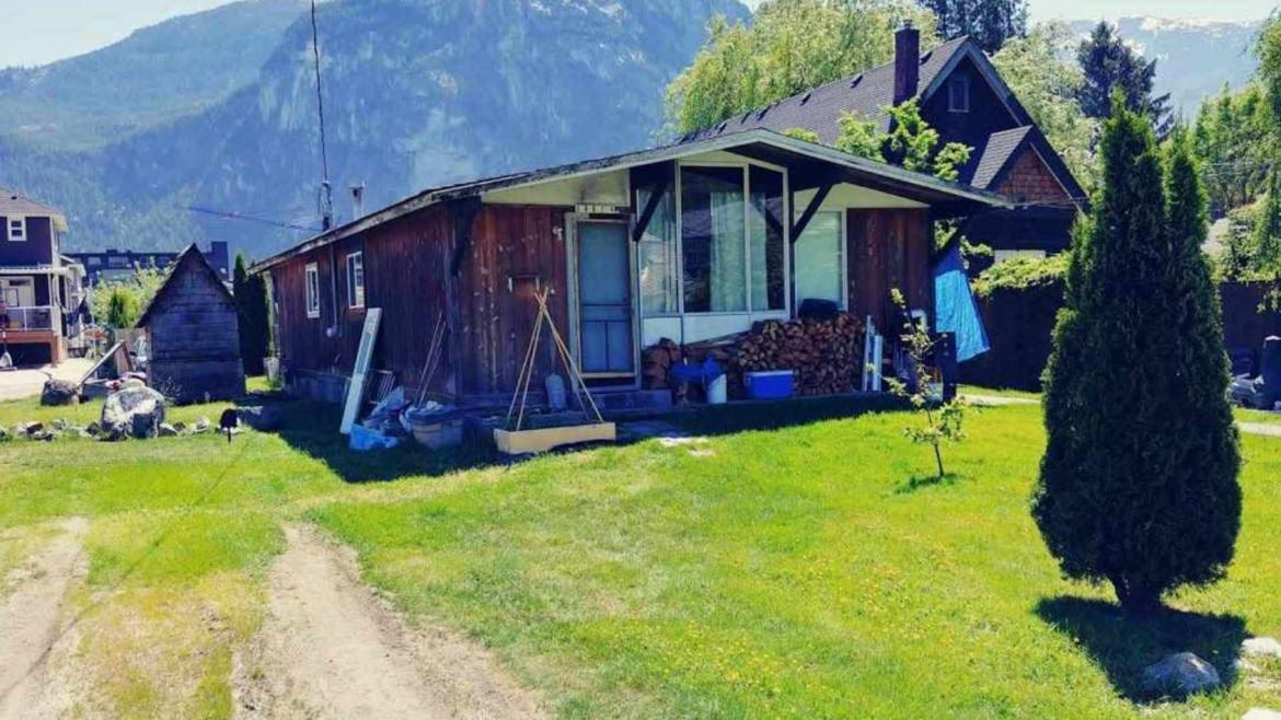 38024 Sixth Avenue, Downtown SQ, Squamish