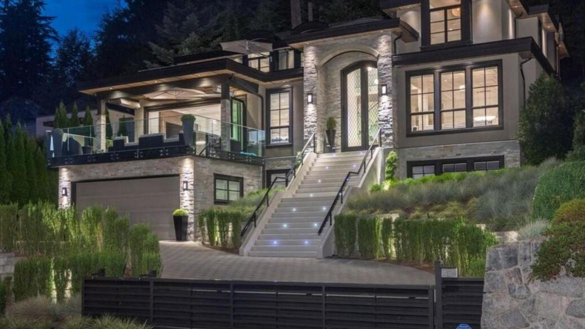 4955 Chalet Place, Canyon Heights NV, North Vancouver
