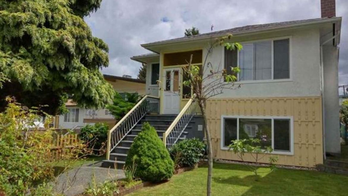 5654 Tyne Street, Collingwood VE, Vancouver East